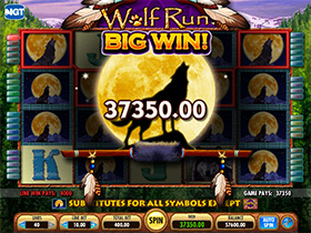 Wolf Run slots stacked wilds